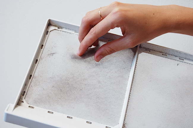 How to Clean a Dryer Lint Screen